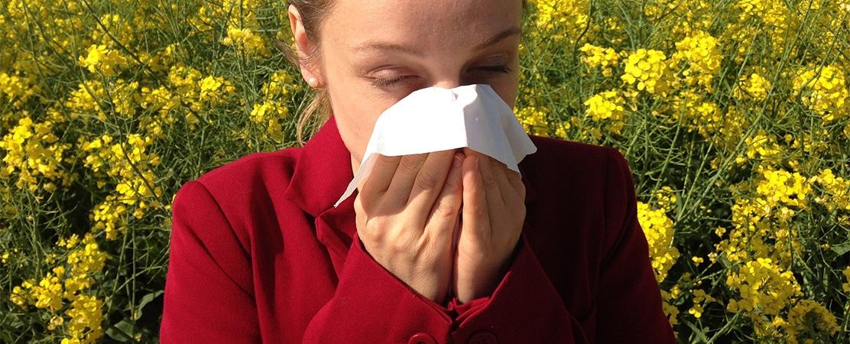 ¿Cómo afectan las alergias primaverales a tu salud bucodental?
