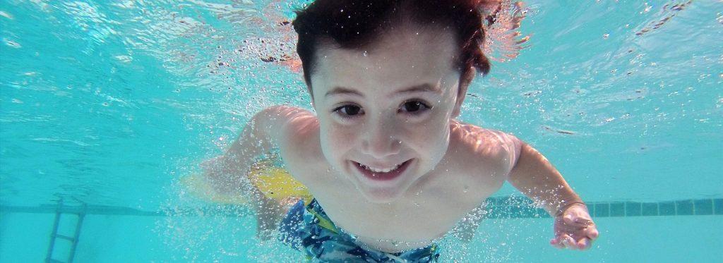 ¿Cómo cuidar la salud bucodental de los más pequeños en verano?